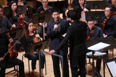 Roydon with Bright Sheng and the Hong Kong Philharmonic | Photo Credit: Cheung Chi Wai